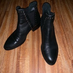 Steven Madden Leather boots